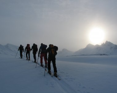 Cross-country skiing & ski tours