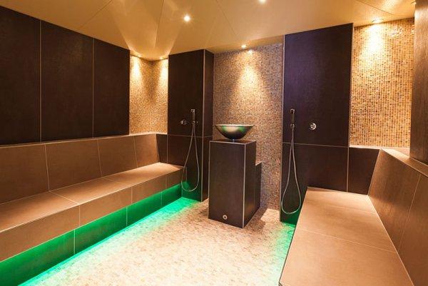 wellness im bergbadl im lumbergerhof wellnesshotel lumberger hof. Black Bedroom Furniture Sets. Home Design Ideas
